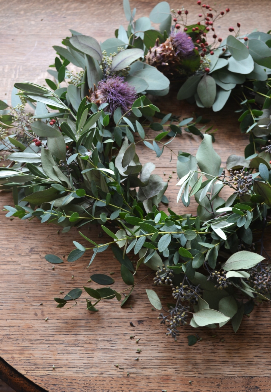 How-to-make-an-autumn-wreath-webb-and-farrer-brighton-flower-workshop (8).JPG
