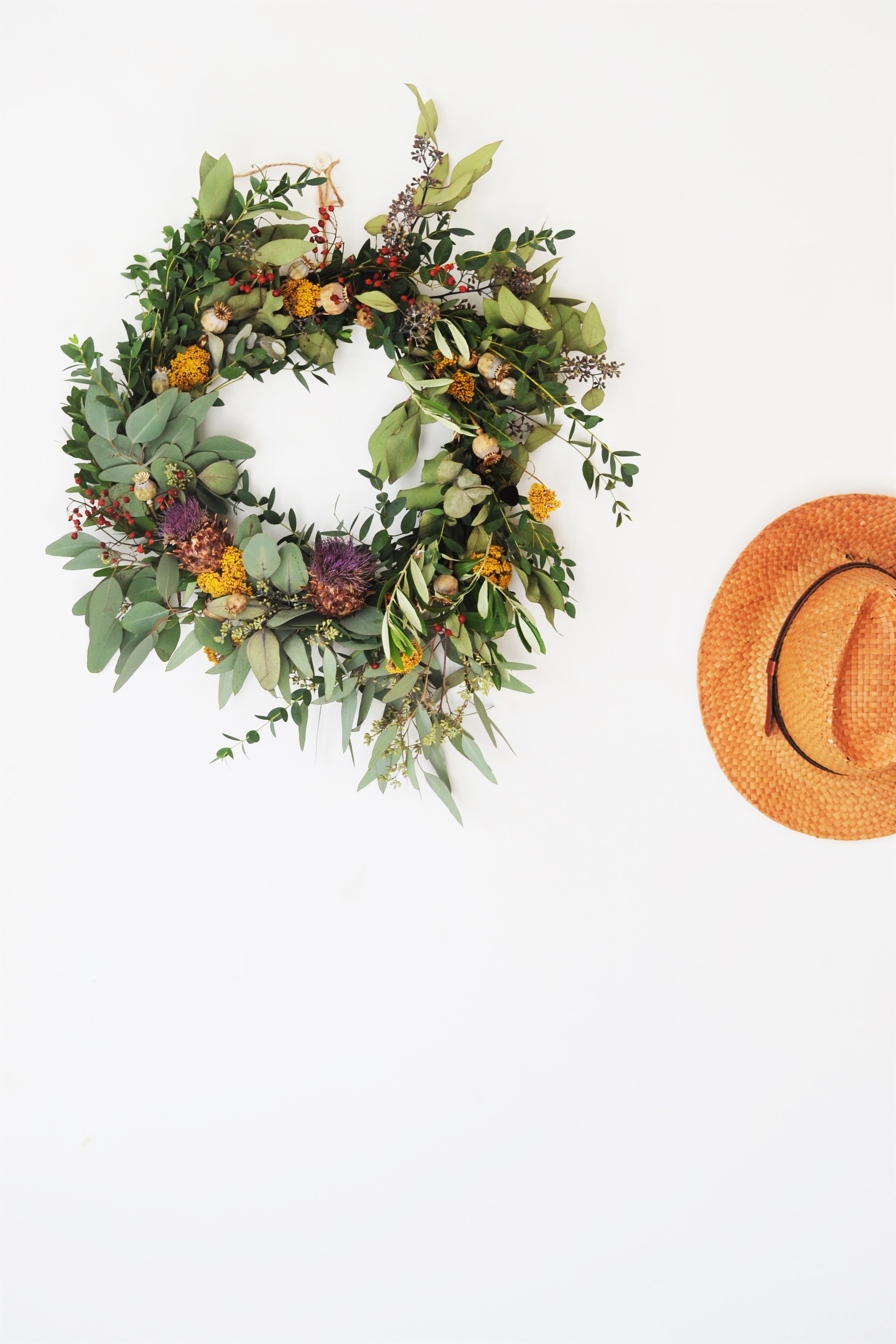 How-to-make-an-autumn-wreath-webb-and-farrer-brighton-flower-workshop (16).JPG