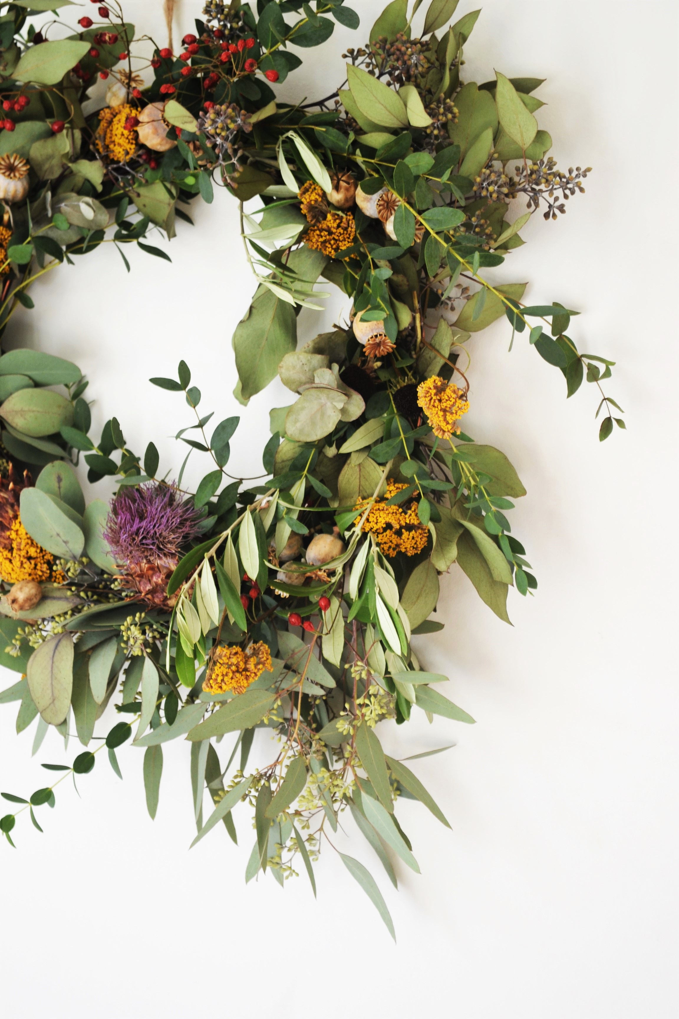 How-to-make-an-autumn-wreath-webb-and-farrer-brighton-flower-workshop (18).JPG