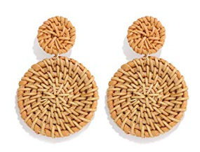 the amazon weave straw dangle earrings all my friends are wearing this summer -