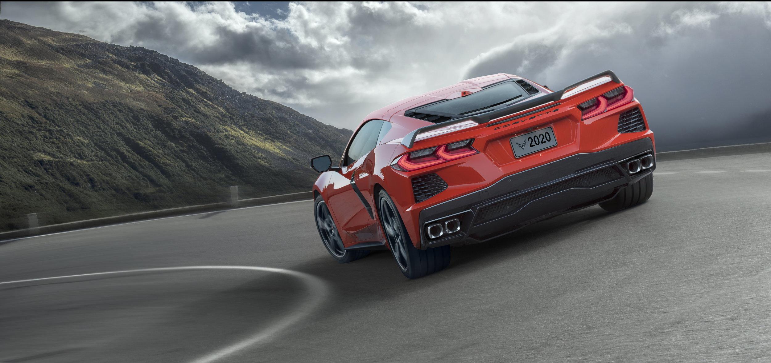 2020-Chevrolet-Corvette-Stingray-003.jpg