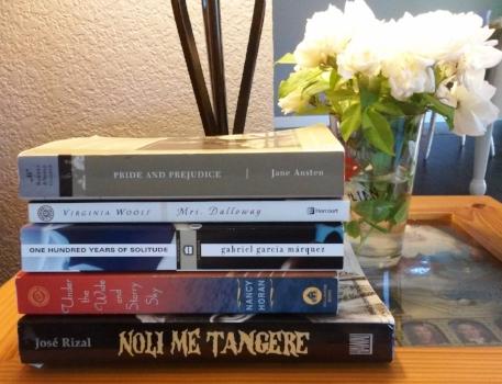books-white-roses.jpg