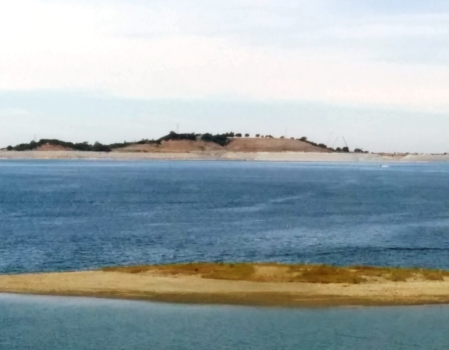 Folsom Lake in northern California. (Photo by Vincent Fazzi, July 2015)