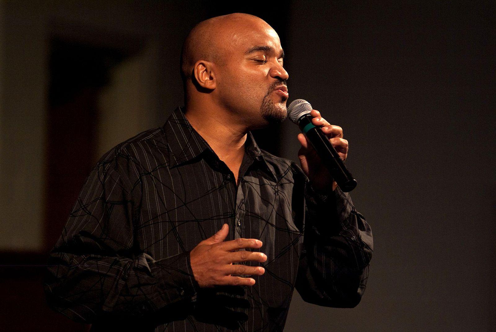 Curt side singing 2.jpg