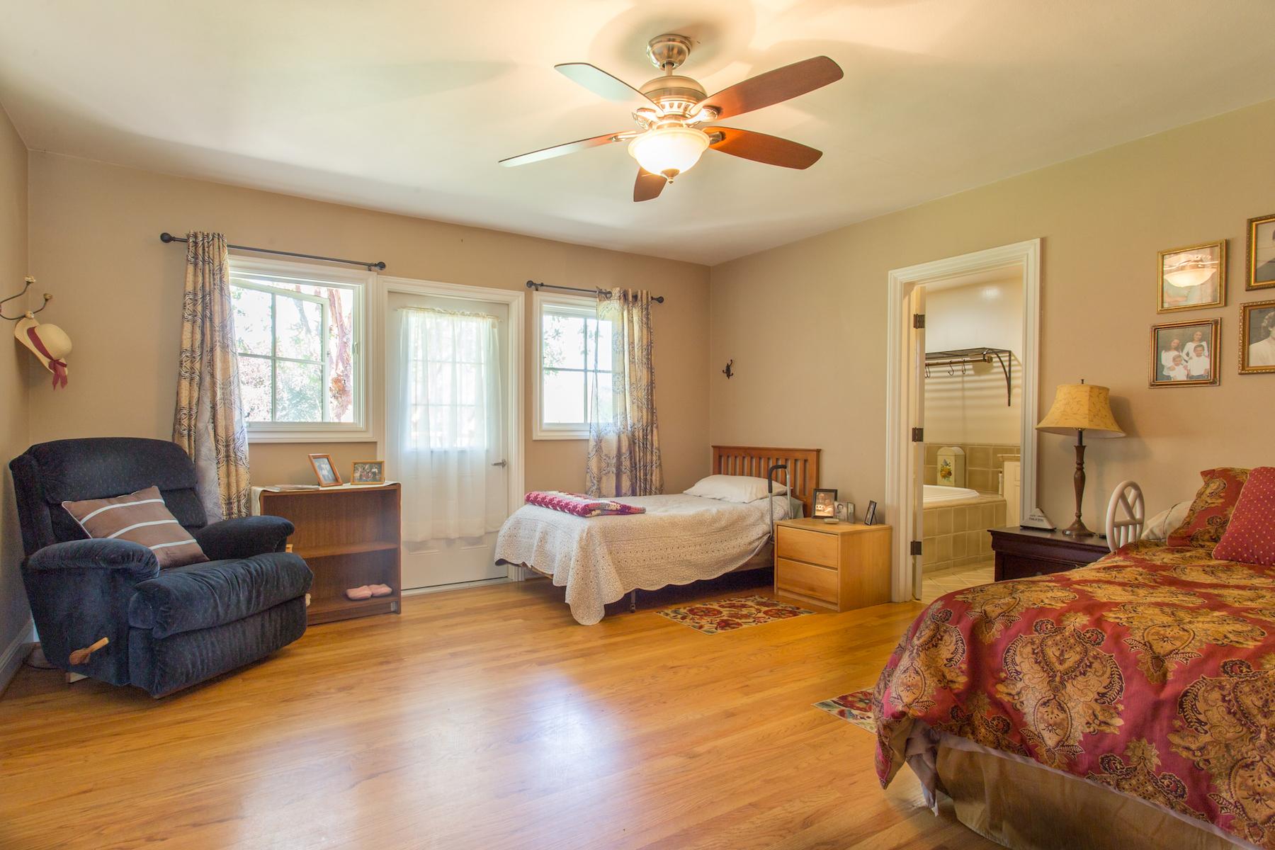 ToroHills.bedroom-2.jpg
