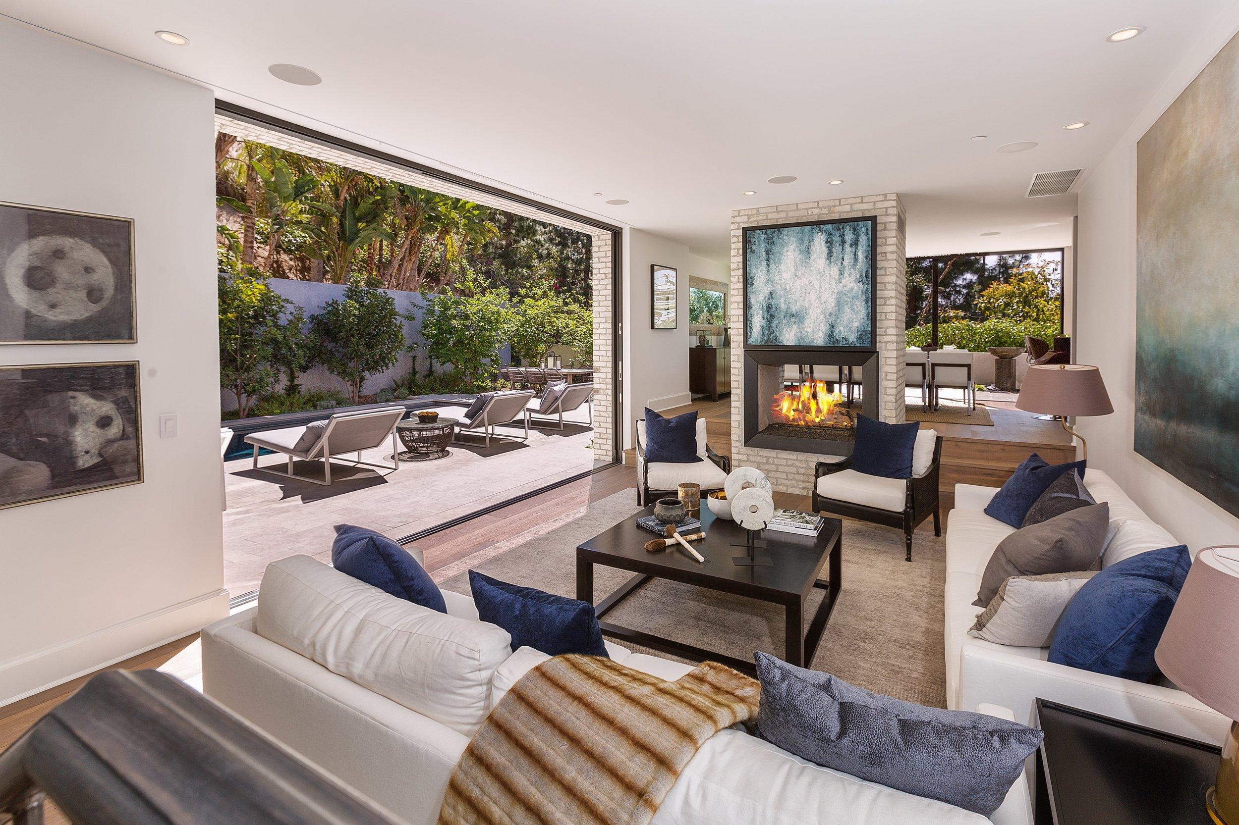Kendall Jenner Kardashian Hollywood Hills Celebrity Home.