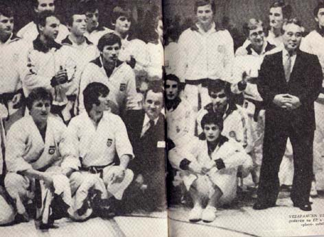 National Team of former Yugoslavia with Kase Taiji sensei, during European Champinoship in Belgrade 1978