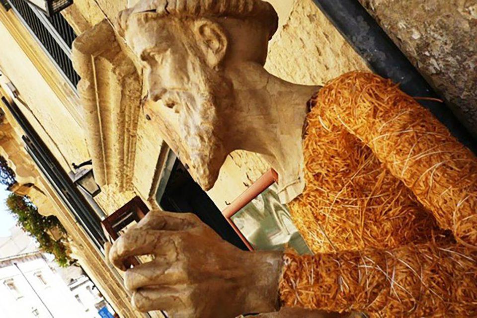 Statua Cartapesta.jpg