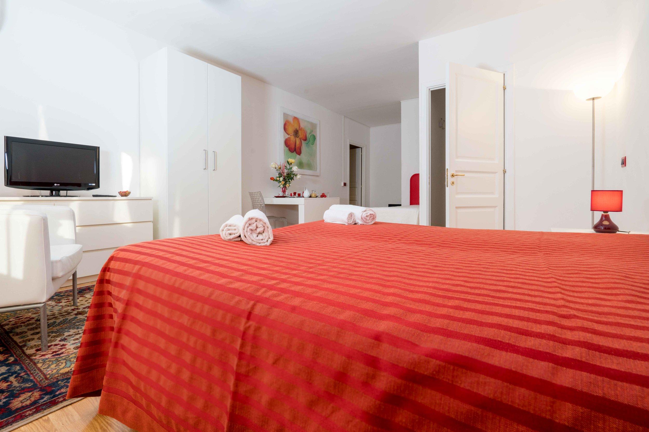 Red Suite #7_.jpg