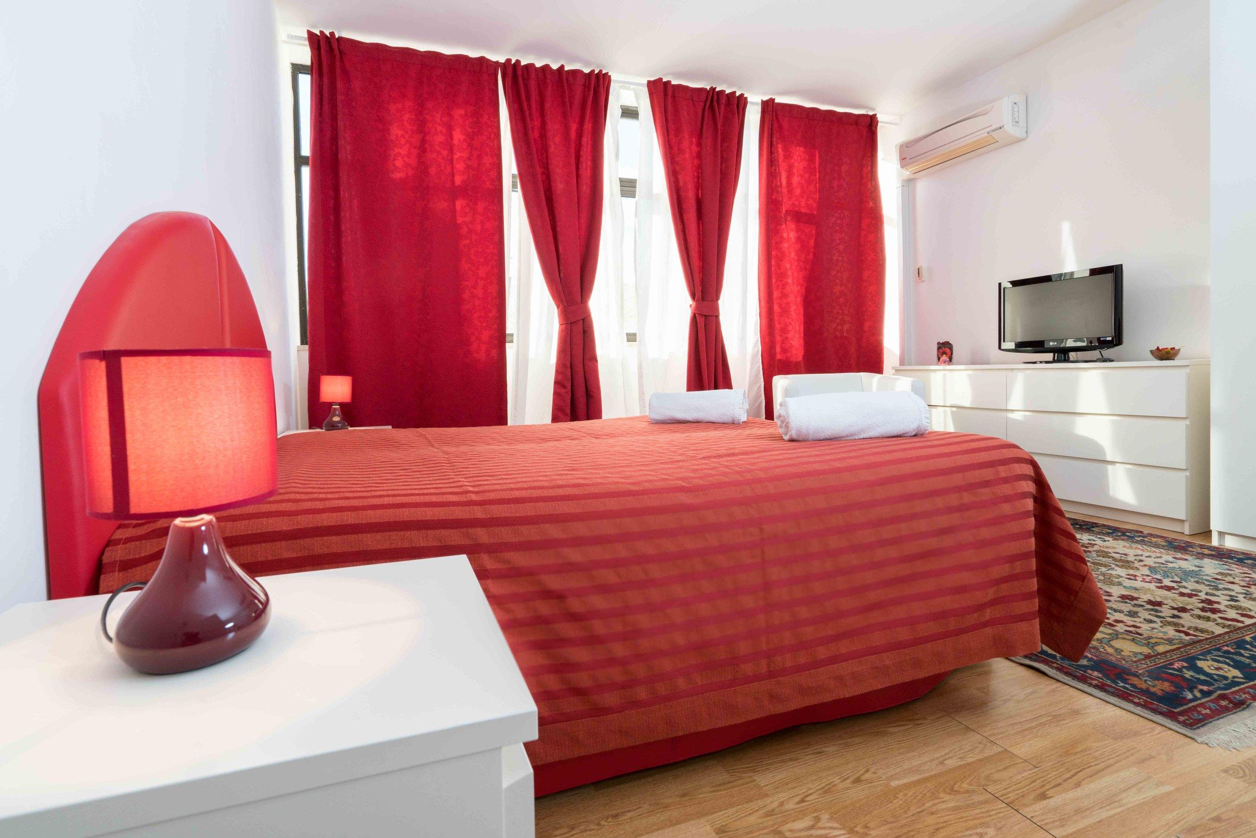 Red Suite #4_.jpg
