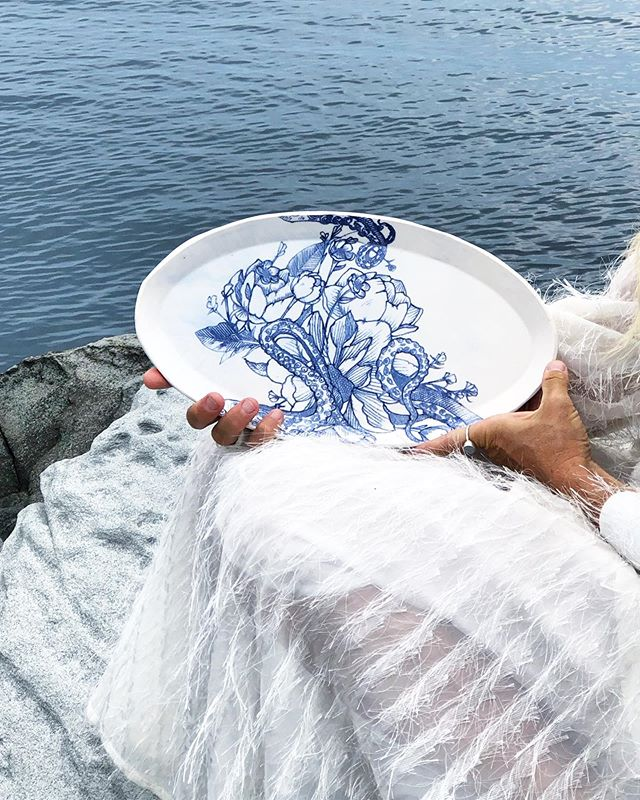 Missing our little island, but happily spent the day trimming away in the studio.  Handles will go on tonight and then on to illustrating (my favorite a close second is throwing ❤️). I hope your Monday is all that you need it to be. . . . . #ceramicmagazine #platter #islandlife #bythesea #getoutside #thebloomforum #livinglife #seaside #tentacles #blueandwhite #blueandwhitechina #linedrawing #betweenthelines #floral