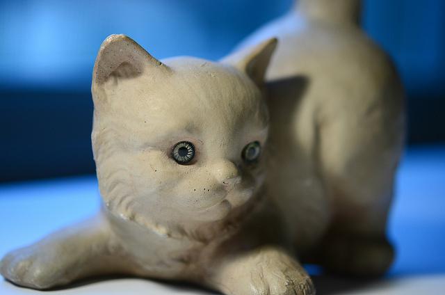 cat-figurine.jpg