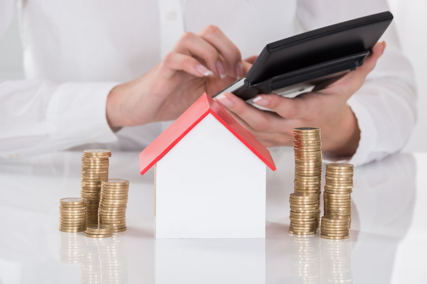 62334808_s costs selling home.jpg