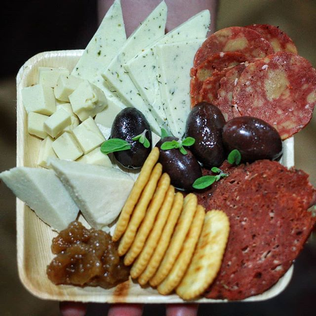 We are going to be serving these ALL VEGAN Charcuterie platters tomorrow at SF Wine Competition. Come thru!❤❤❤ Fort Mason, 1-4 pm . . . @lacocinasf #vegan #vegancheese #vegansalami #vegancheeseboard #smokedgouda #brie #trufflebrie #dillhavarti #cheeseandwine #cheeseandsalami #cheeseandcrackers #vegancheeseplate #sflocal #sfvegsn #bayareavegan #sffoodie #theuncreamery #thefutureofdairyisnuts #dairyfree #lactosefree #lactoseintolerant #meatless #meatfree