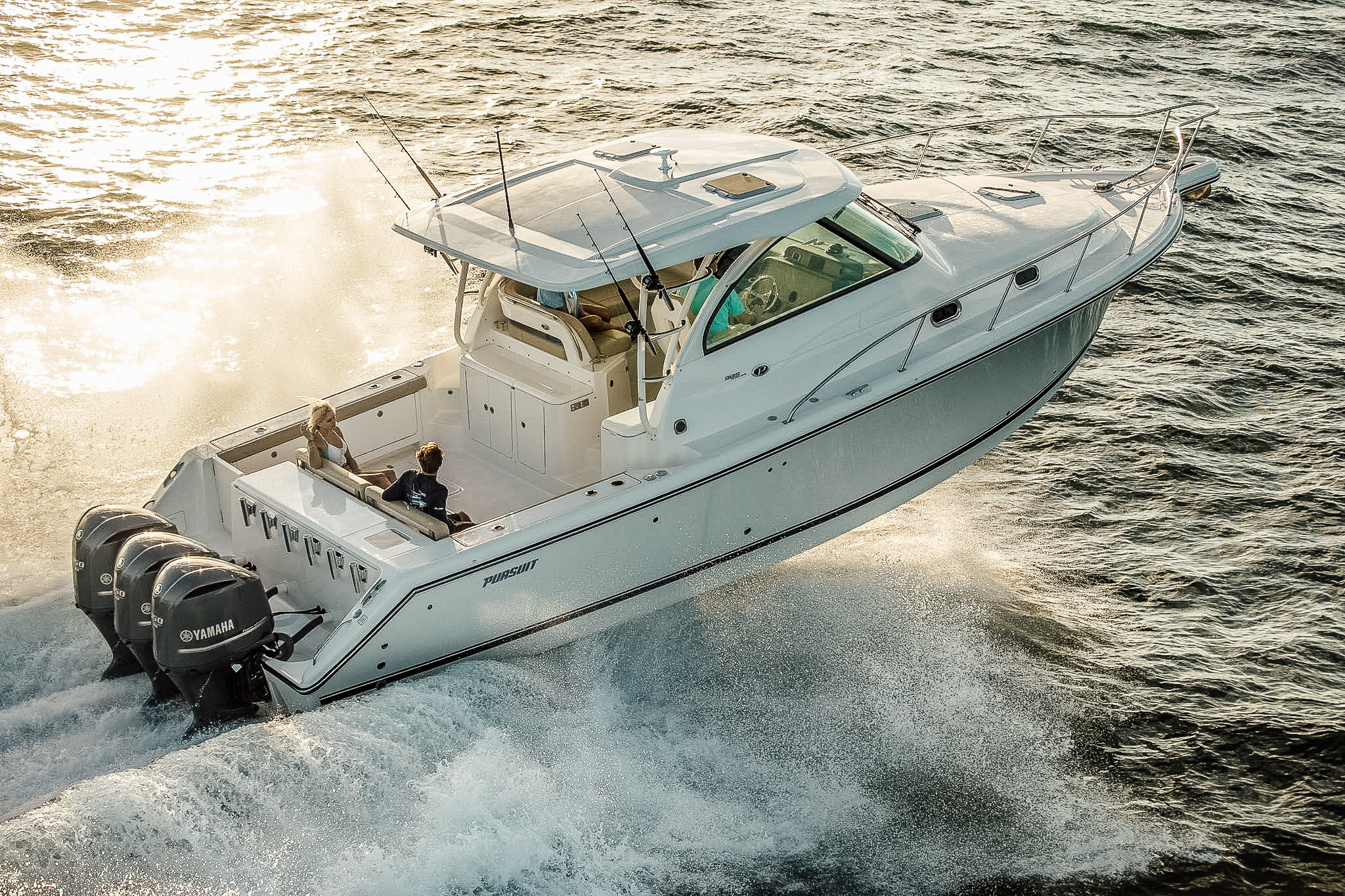 OFFSHORE - Pursuit delivers an exciting array of award winning offshore models. This product lineup delivers innovation and excellence that takes a winning formula to a new level.OS 385OS 355OS 325