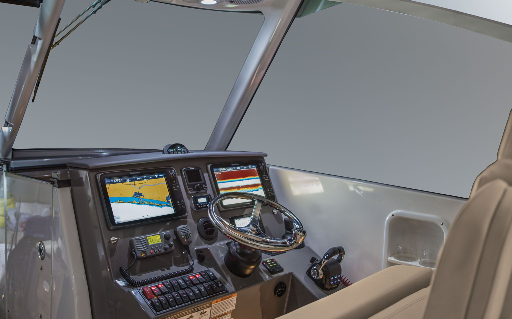 PB-DC325-Helm-LG.jpg