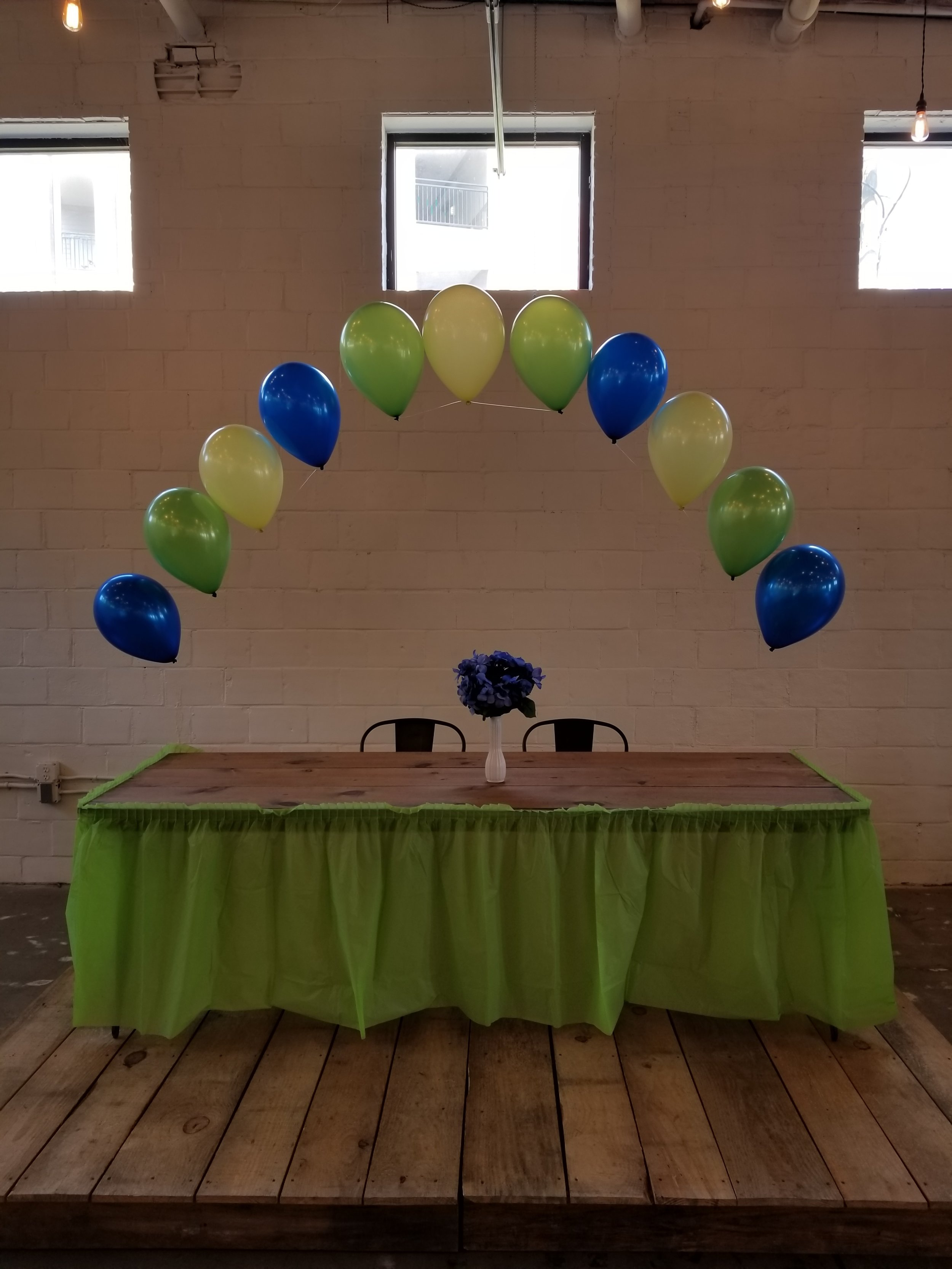 String of pearl balloon arch.jpg