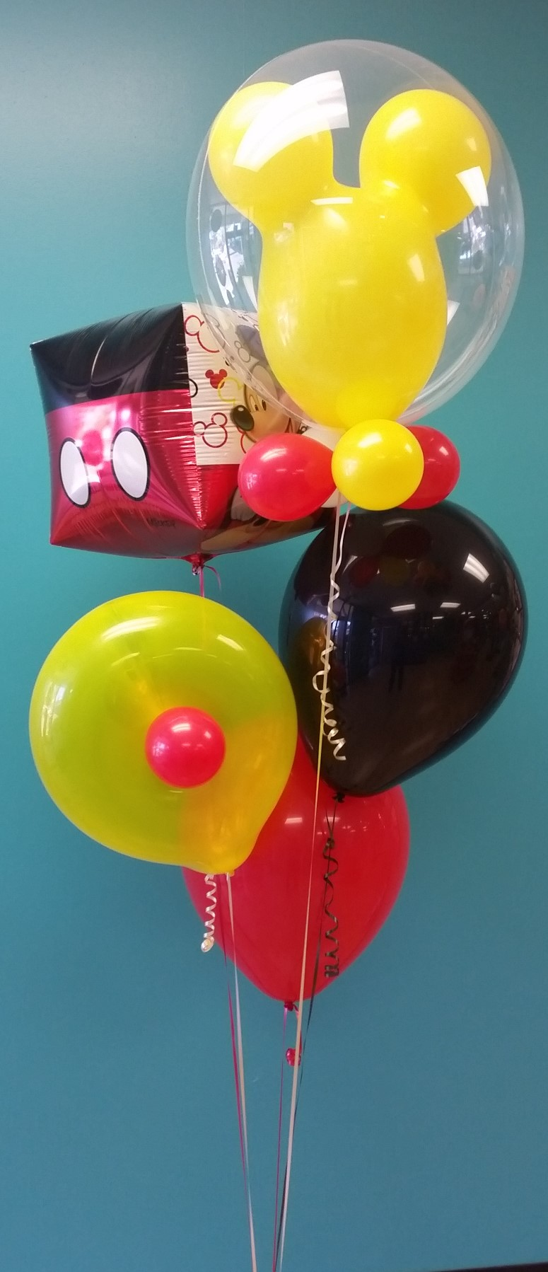 Mickey mouse balloon bouquet.jpg