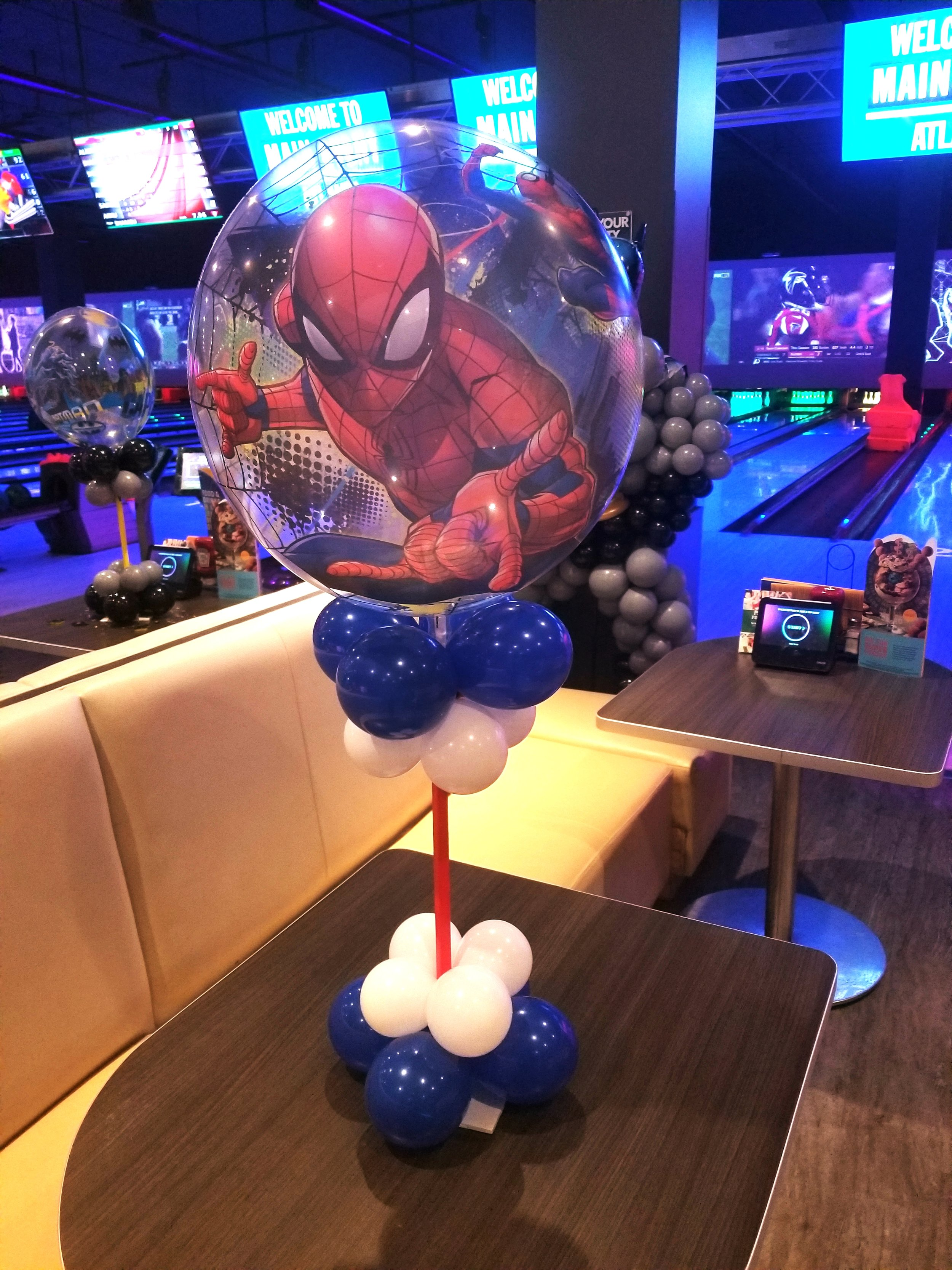 Spiderman balloon centerpiece .jpg