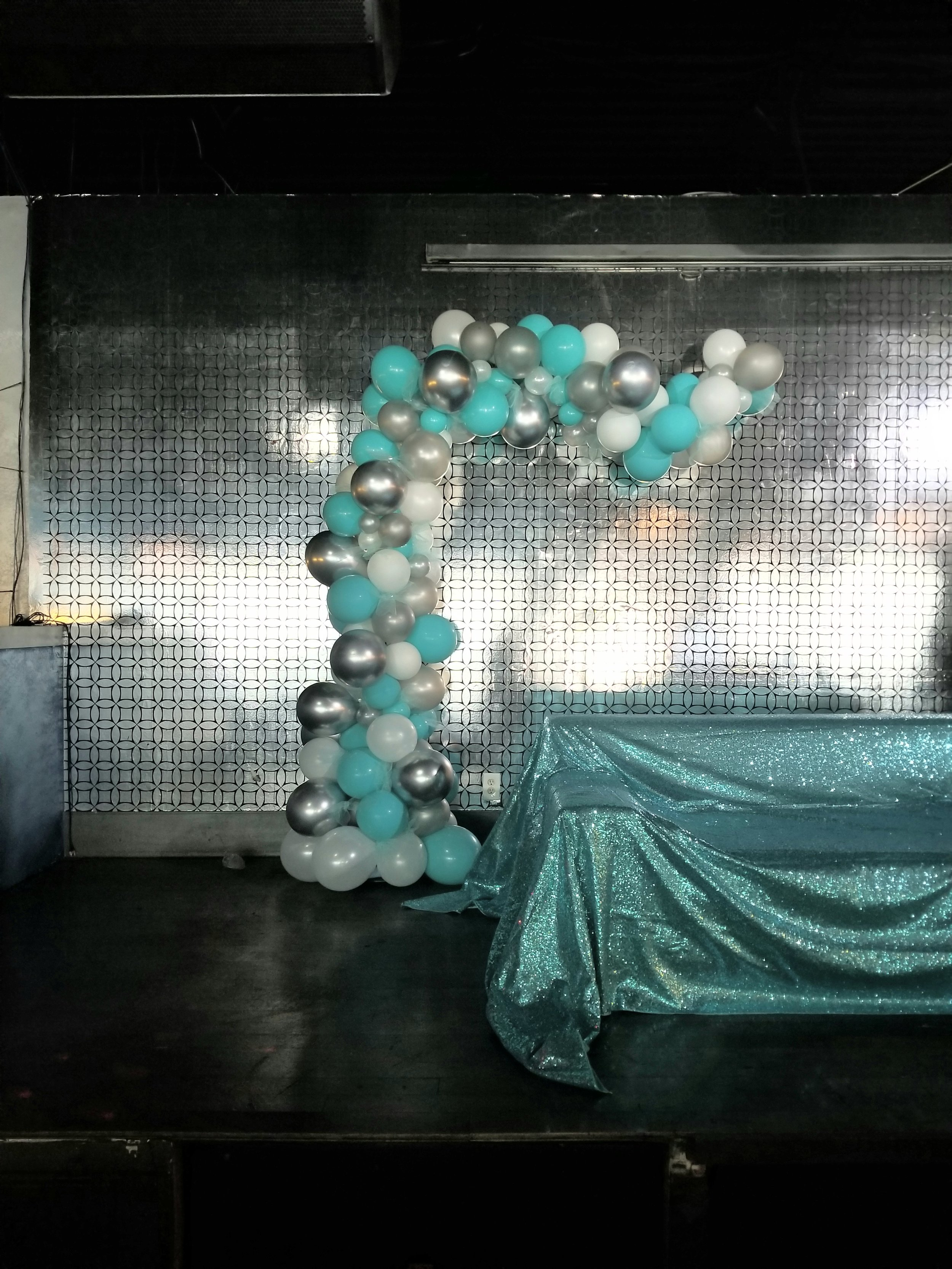 Tiffany organic balloon arch.jpg