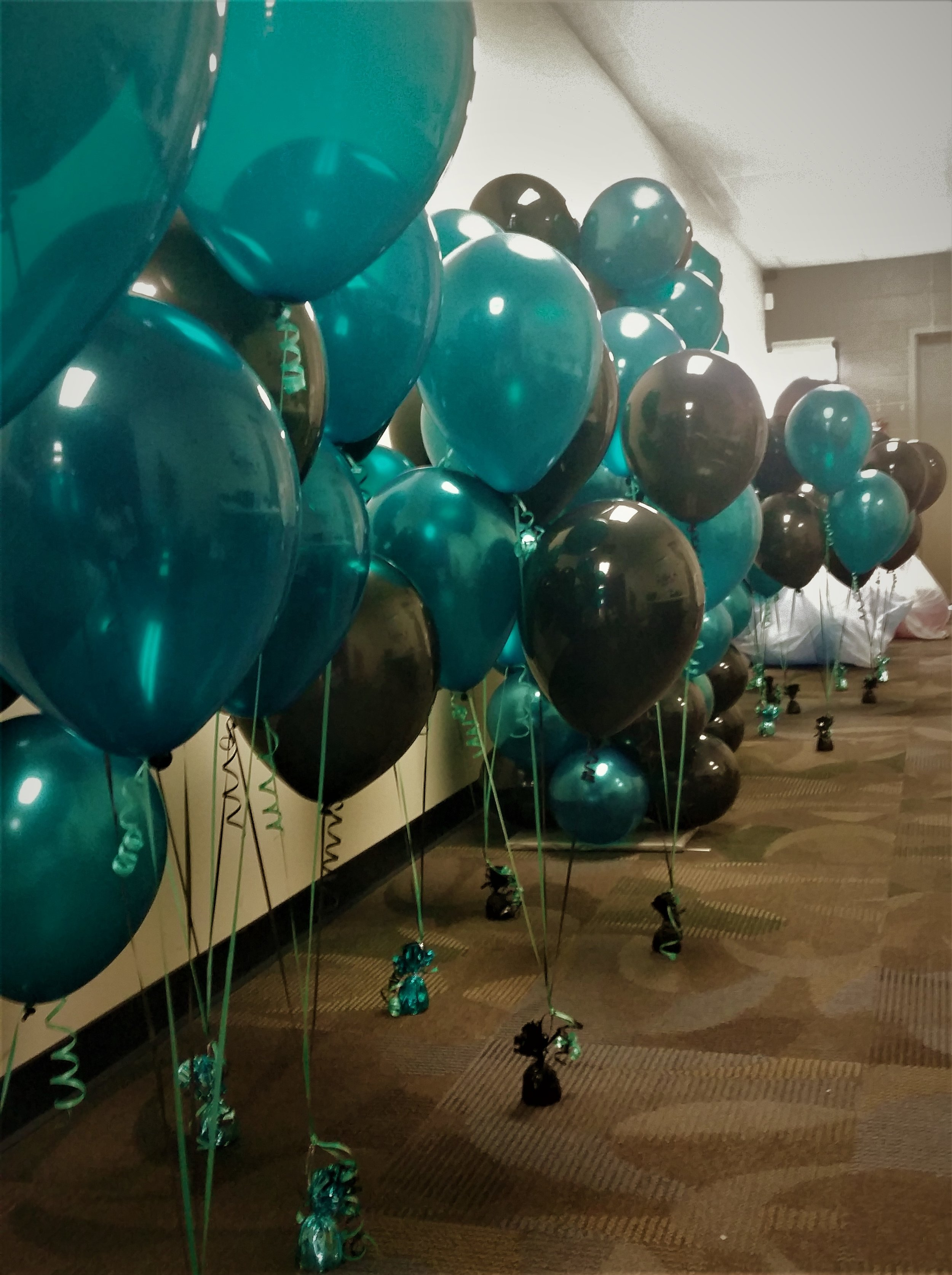 Teal latex bouquets.jpg