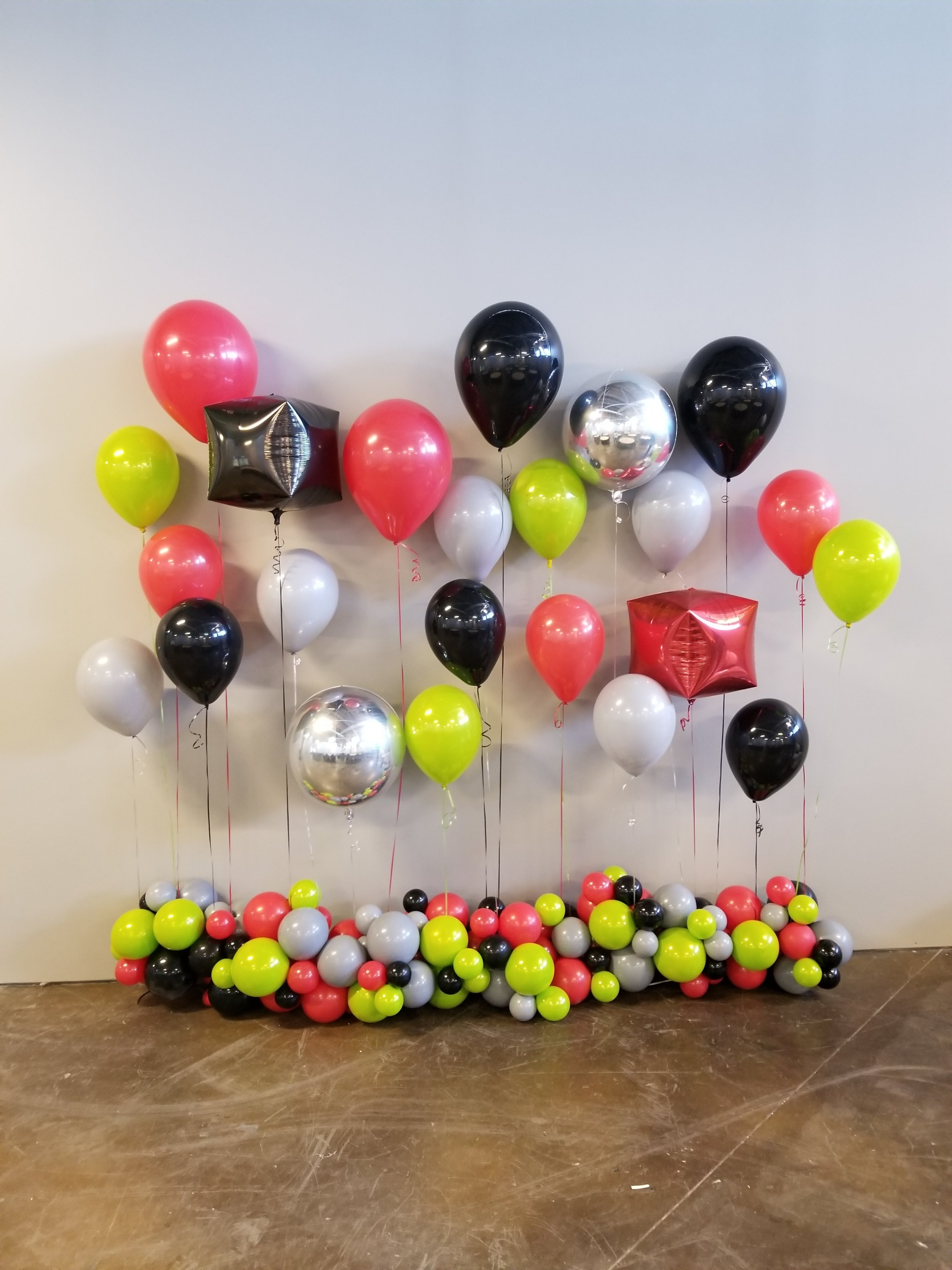 Hawks colors balloon wall.jpg