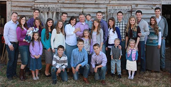 bates-family-photo-fixed-560x285.jpg