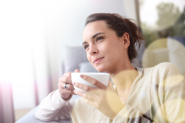 reflective-woman-drinking-tea-640x426.jpg
