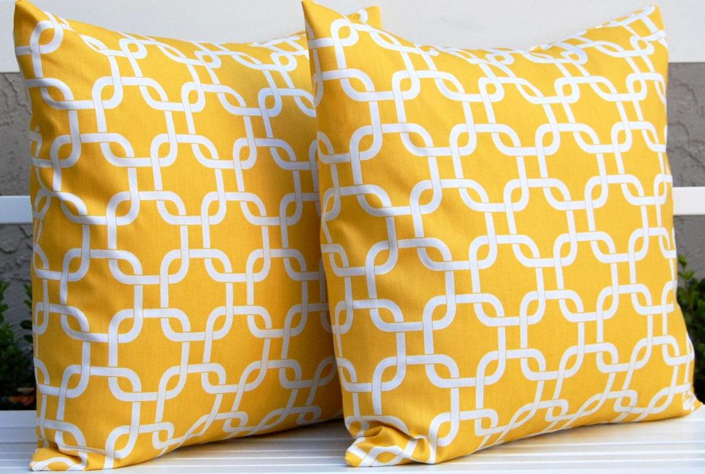 decorative-throw-pillows-1-1024x688.jpg