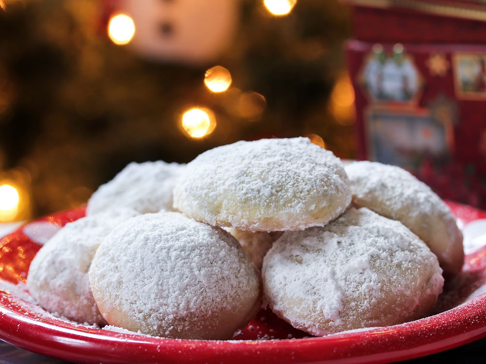 christmas-snowball-cookies.jpg