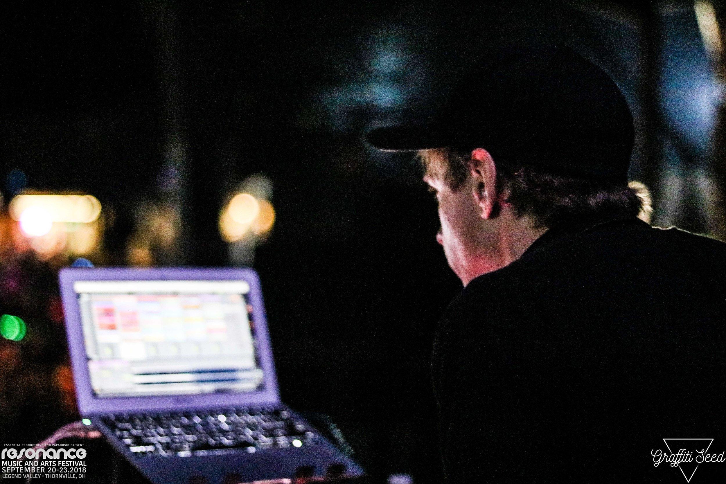 DAVE TIPPER _ Resonance Music Festival 2018 _ www.GraffitiSeed.com 2.jpg
