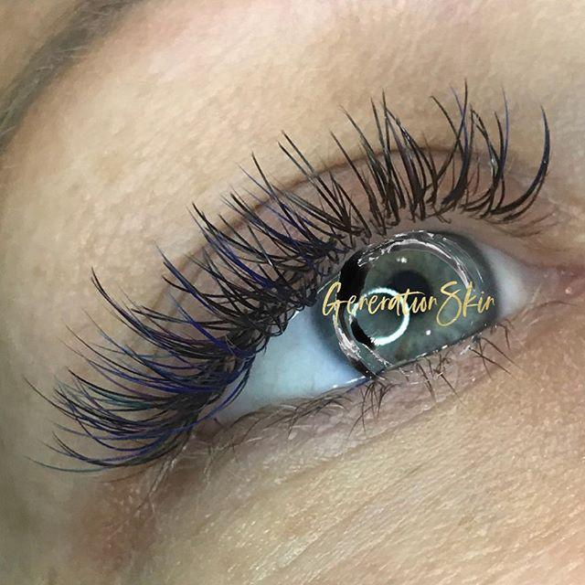 CLASSIC LASHES WITH POPS OF ROYAL BLUE AND PURPLE!  #popofcolor #bellalashes #royallash #blueeyes #classiclashextensions #lashartistreddingca #lashartistredding #reddinglashartist #lashstylist #lashnap #beautysleep #iwokeuplikethis #estheticianlife #lashlife #lashwithme #lashfabulous