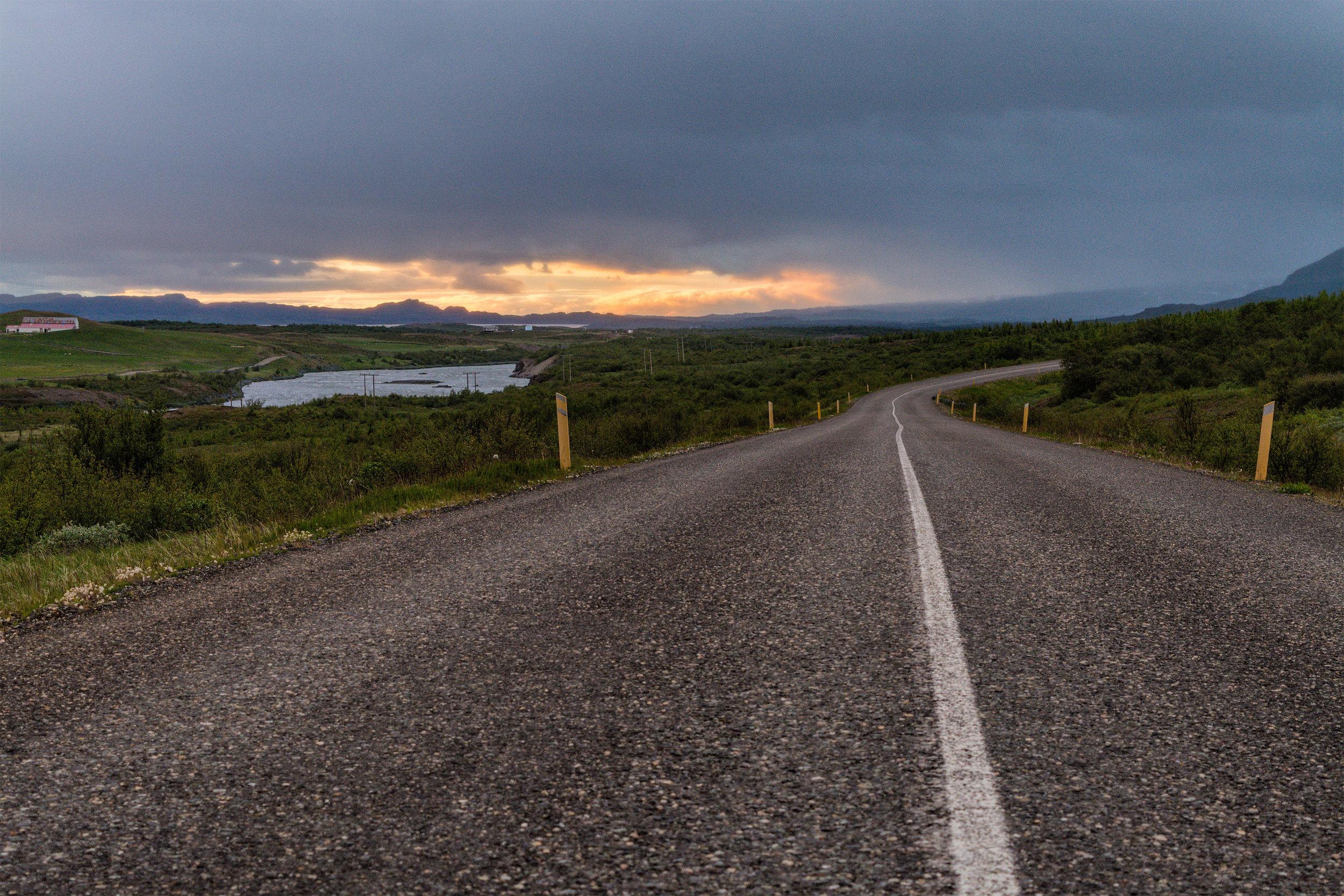 Road to Hengifoss small.jpg