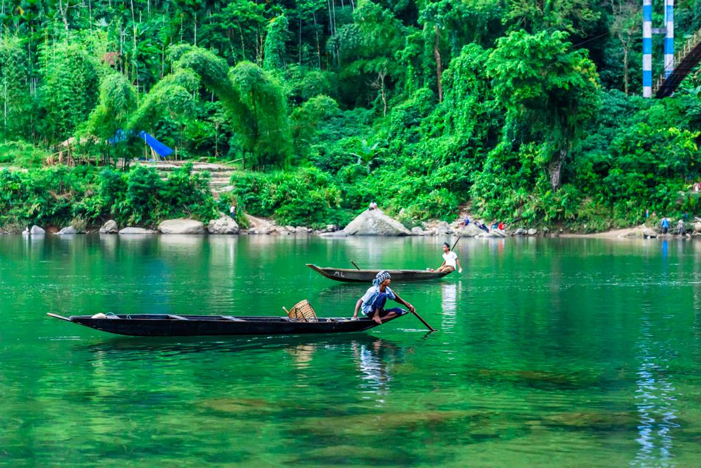 Shnongpdeng,Umngot River, Meghalaya's Unexplored Paradise