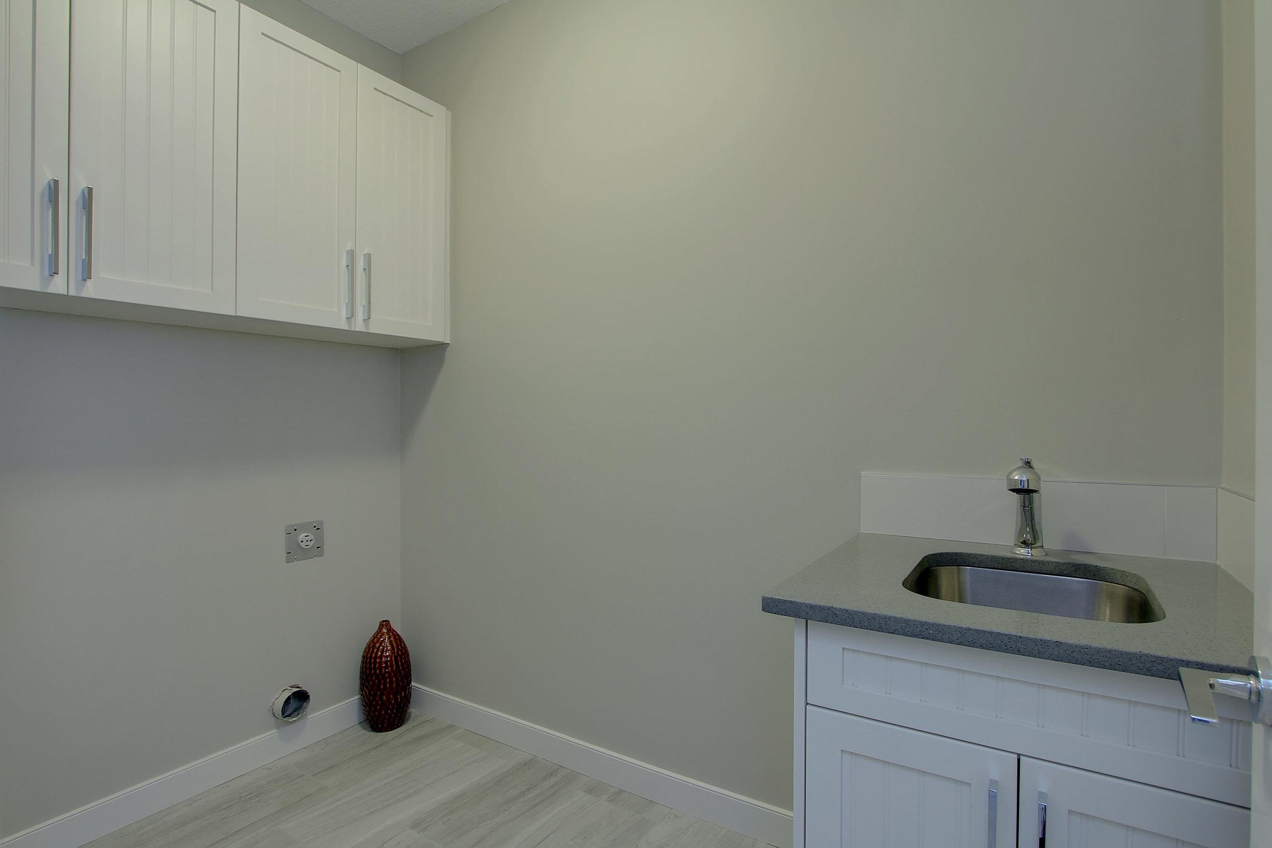 6612 53 Ave Beaumont AB T4X-print-056-74-Laundry Room-4200x2800-300dpi.jpg