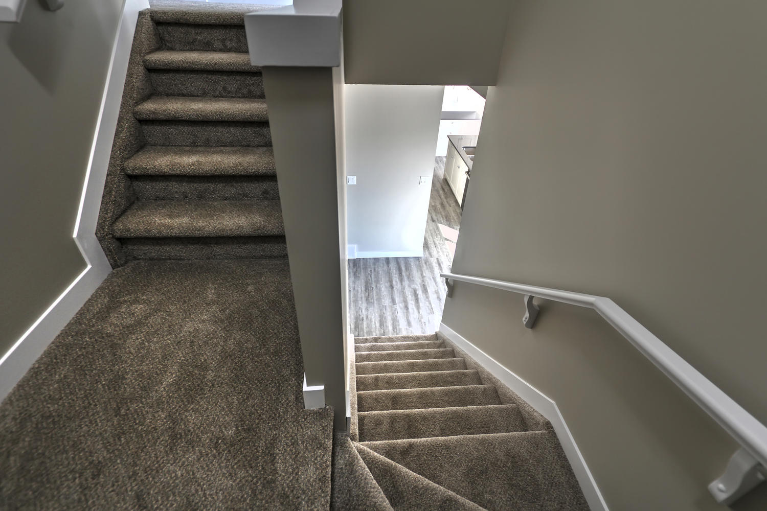 9603 106 Ave Morinville AB T8R-large-035-53-Staircase-1500x1000-72dpi.jpg