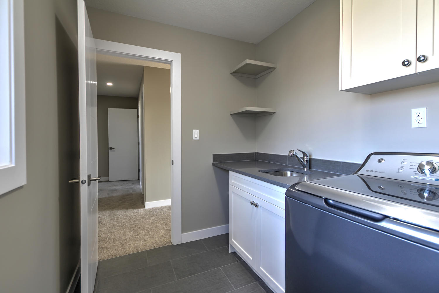 9603 106 Ave Morinville AB T8R-large-039-62-Laundry Room-1500x1000-72dpi.jpg