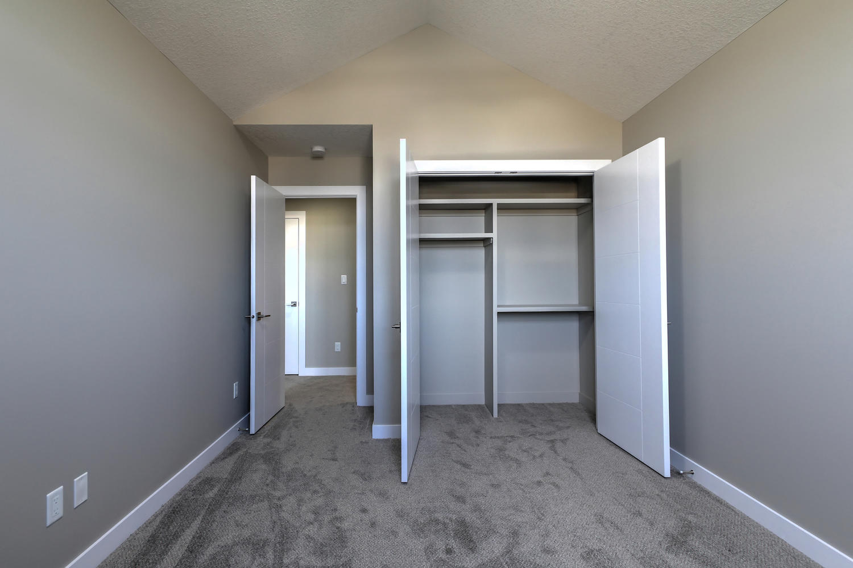 9603 106 Ave Morinville AB T8R-large-046-34-Bedroom 2-1500x1000-72dpi.jpg