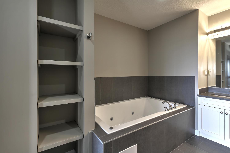 9603 106 Ave Morinville AB T8R-large-058-43-Master Bedroom Ensuite-1500x1000-72dpi.jpg