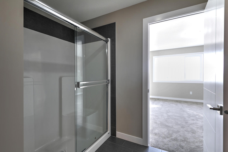 9603 106 Ave Morinville AB T8R-large-060-37-Master Bedroom Ensuite-1500x1000-72dpi.jpg