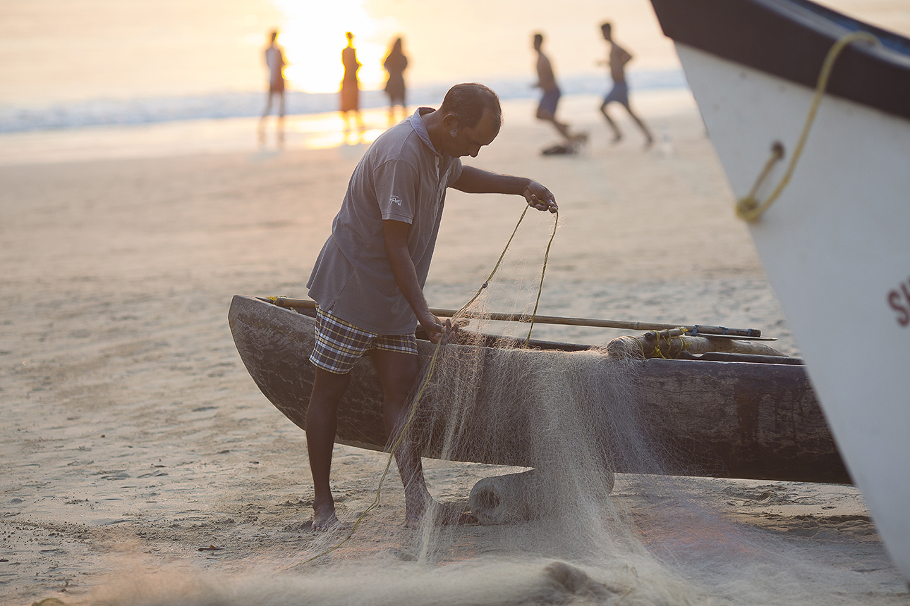fisherman_sunset_palolem_goa.jpg