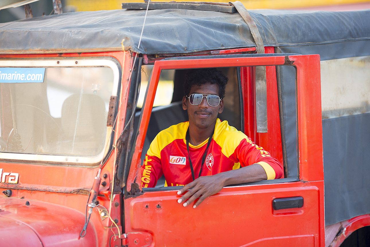 lifeguard_jeep_portrait_palolem.jpg