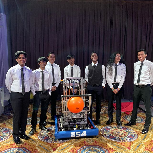 We are showing off our robot Ms Calculated at the FIRST Inspires Gala tonight, and @don.bossi even came by to say hi!