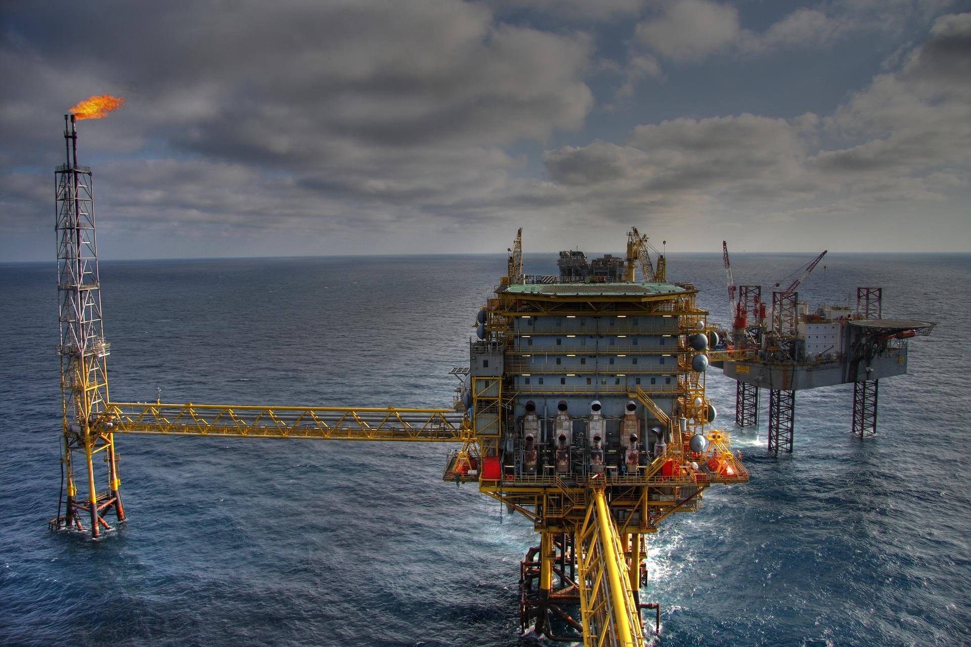 Natural gas rig. Photo credit: Kristina Kasp