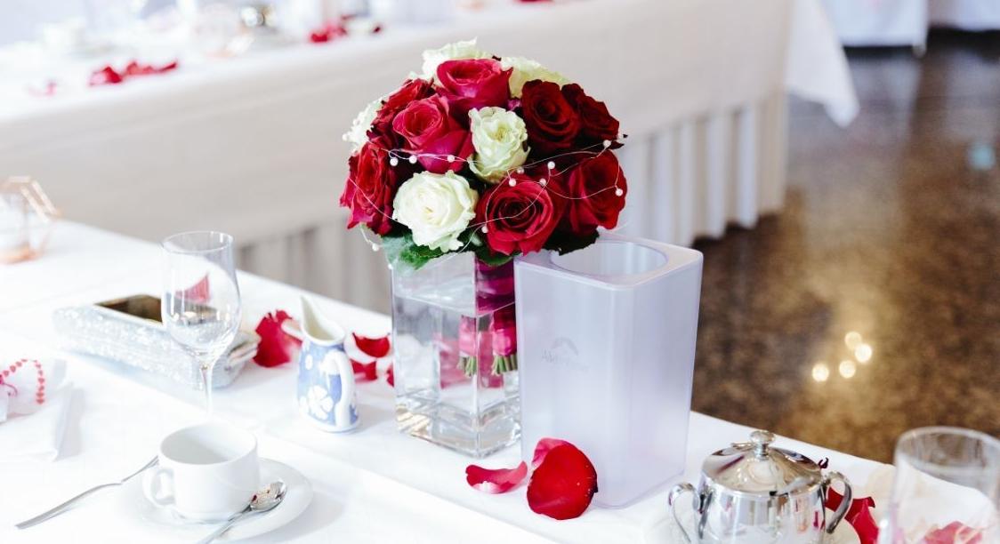 Pink Bordeaux und Creme Rosen .jpg