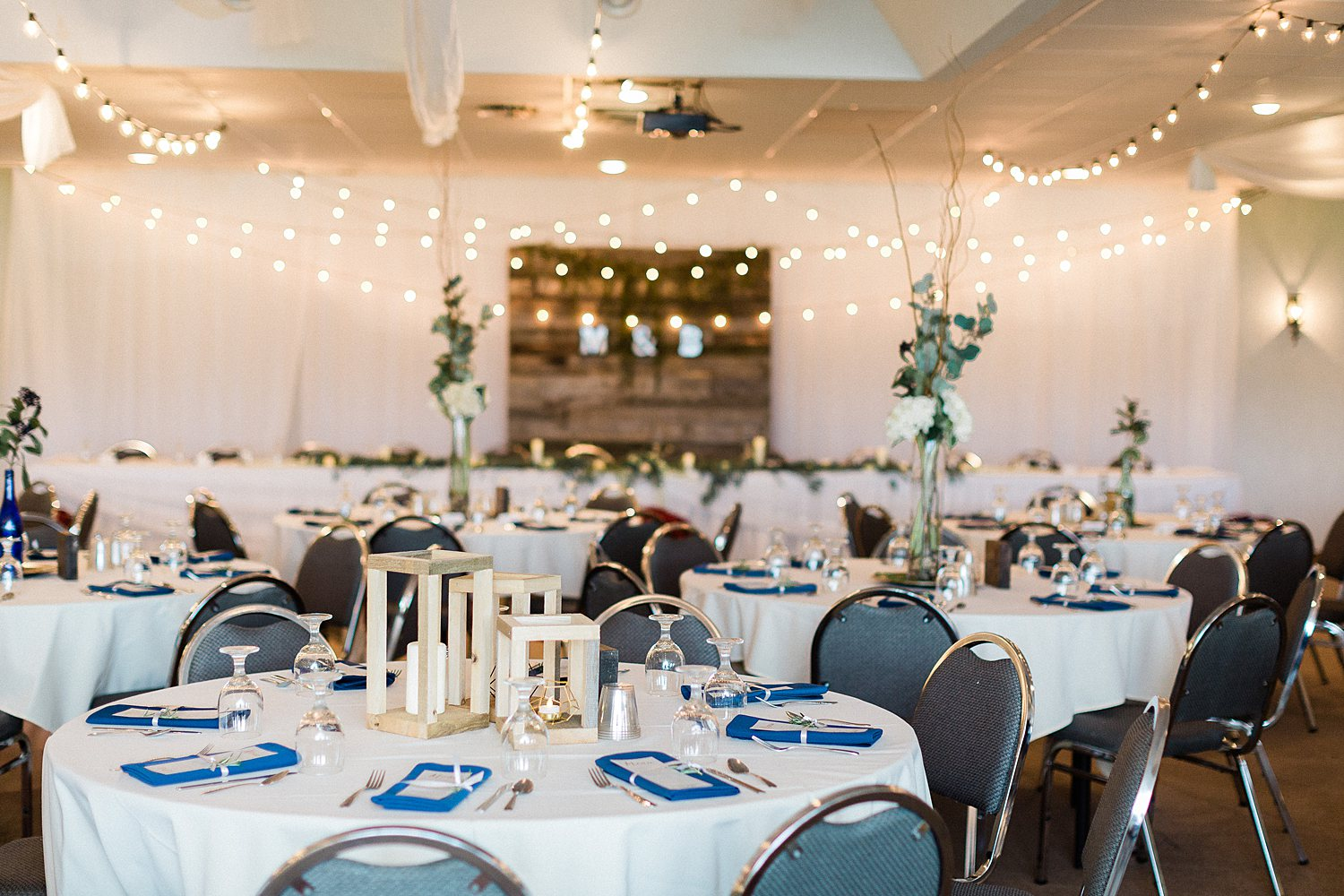 North_Central_Wisconsin_Event_Wedding_Venues_Fall_Weddings_The_Bailiwick_Venue_James-Stokes-Photography053.jpg