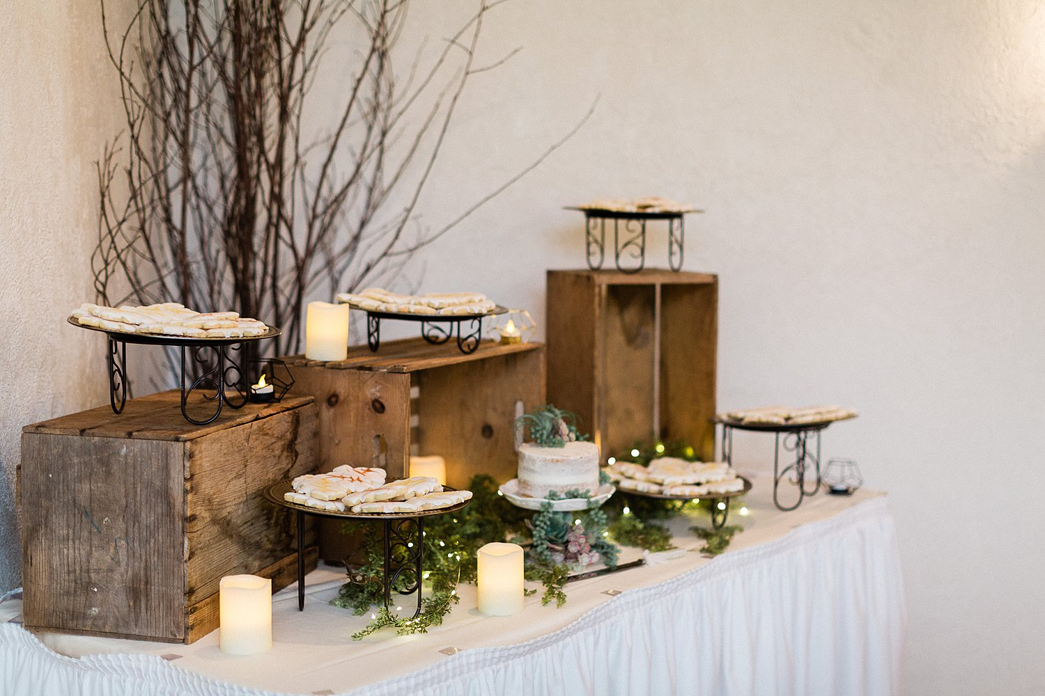 North_Central_Wisconsin_Event_Wedding_Venues_Fall_Weddings_The_Bailiwick_Venue_James-Stokes-Photography056.jpg