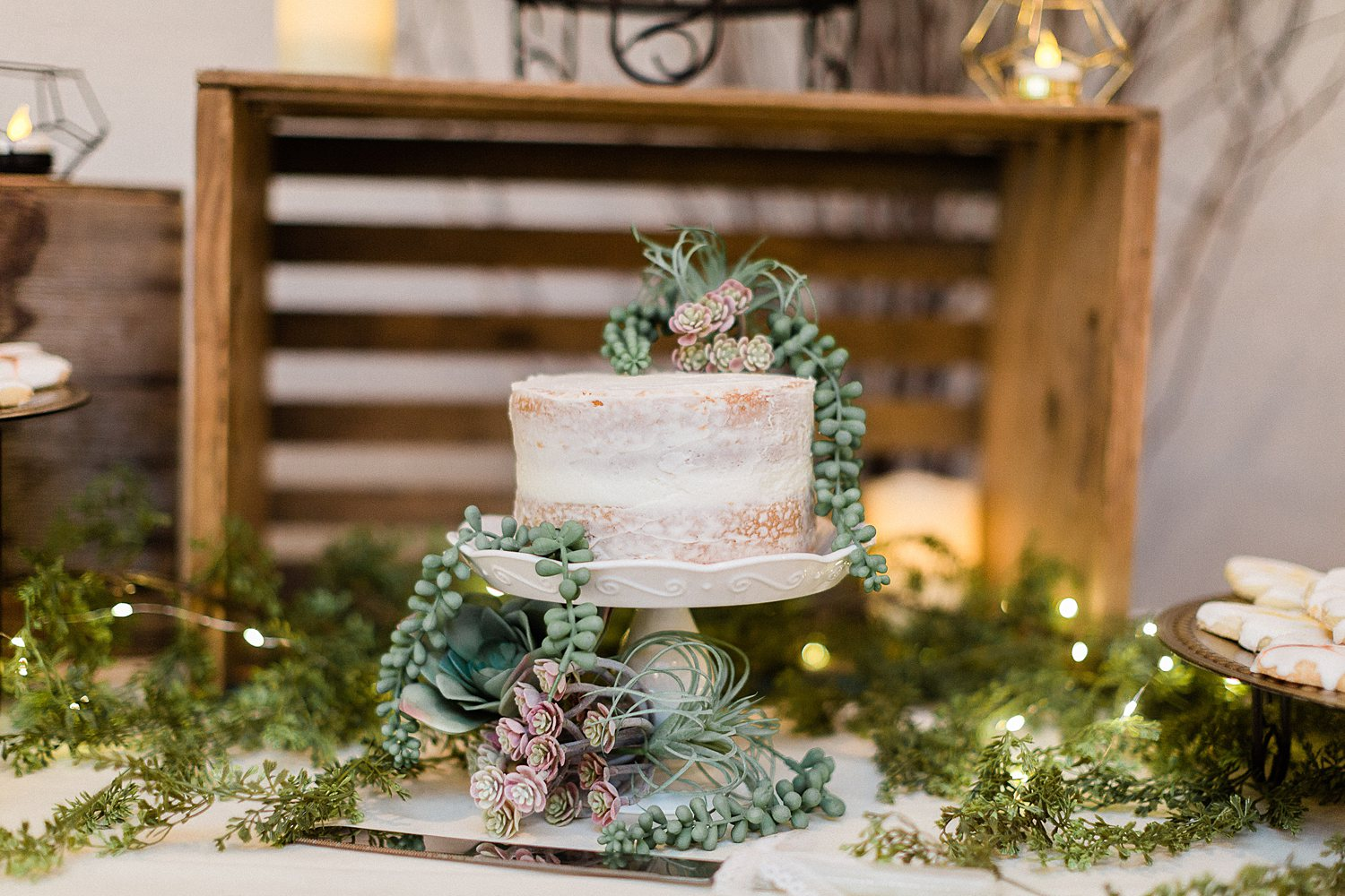 North_Central_Wisconsin_Event_Wedding_Venues_Fall_Weddings_The_Bailiwick_Venue_James-Stokes-Photography060.jpg
