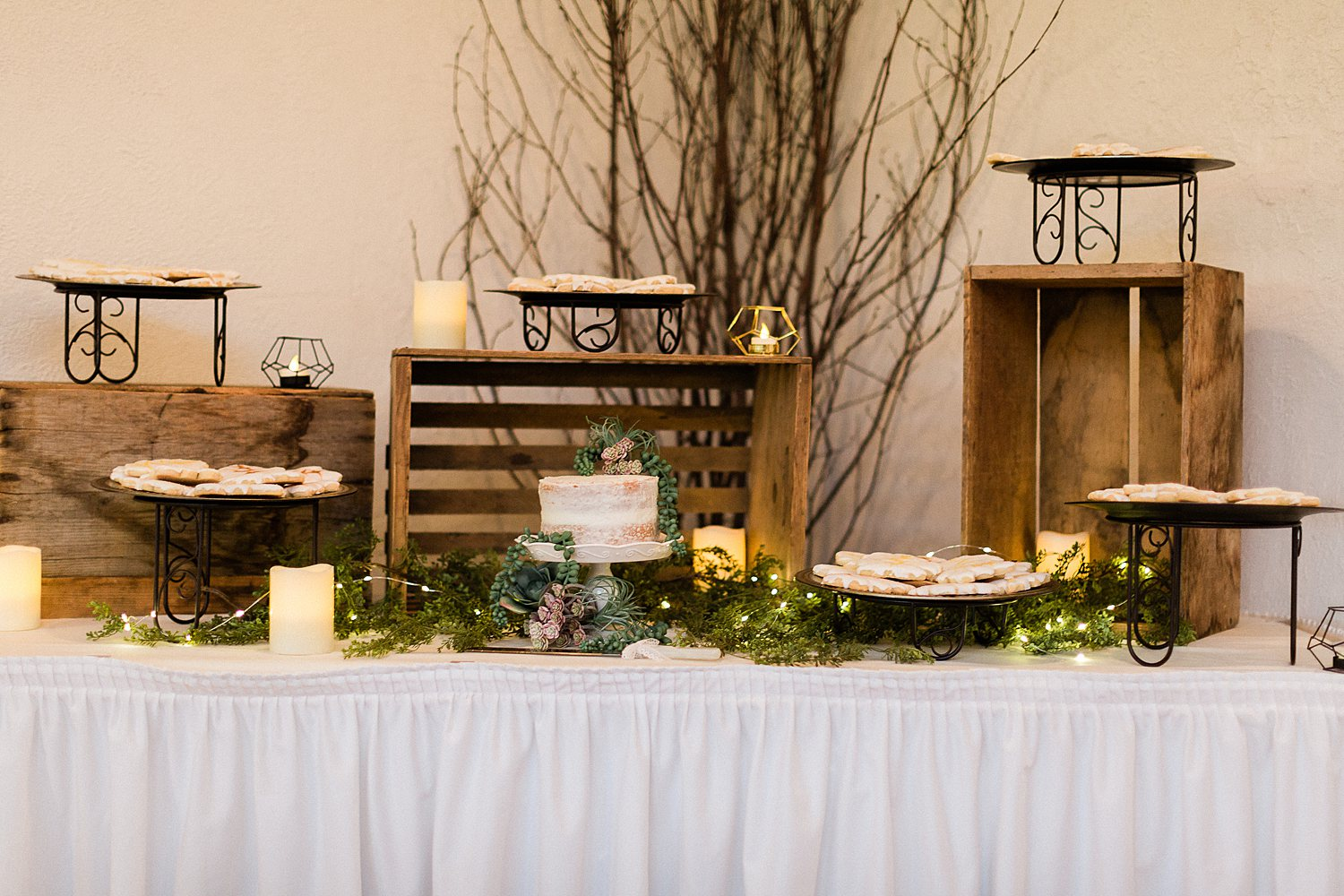 North_Central_Wisconsin_Event_Wedding_Venues_Fall_Weddings_The_Bailiwick_Venue_James-Stokes-Photography061.jpg