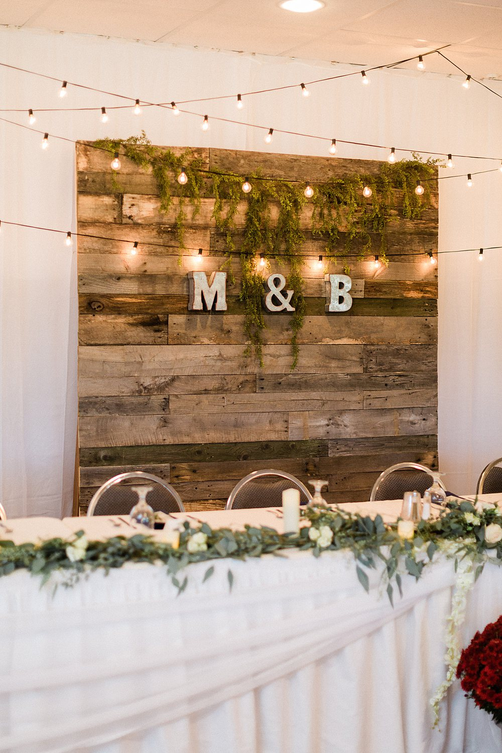 North_Central_Wisconsin_Event_Wedding_Venues_Fall_Weddings_The_Bailiwick_Venue_James-Stokes-Photography063.jpg